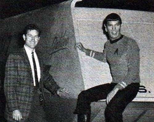 Gene_Winfield_and_Leonard_Nimoy_posing_next_to_the_just_completed_full-scale_Galileo_7_mock-up