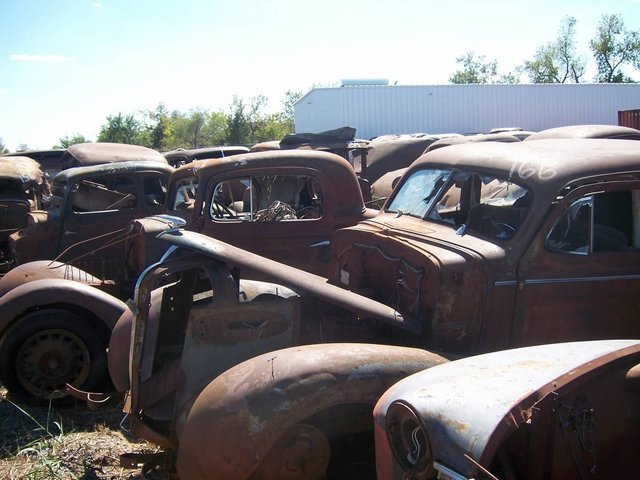 salvage_yard_auction_7
