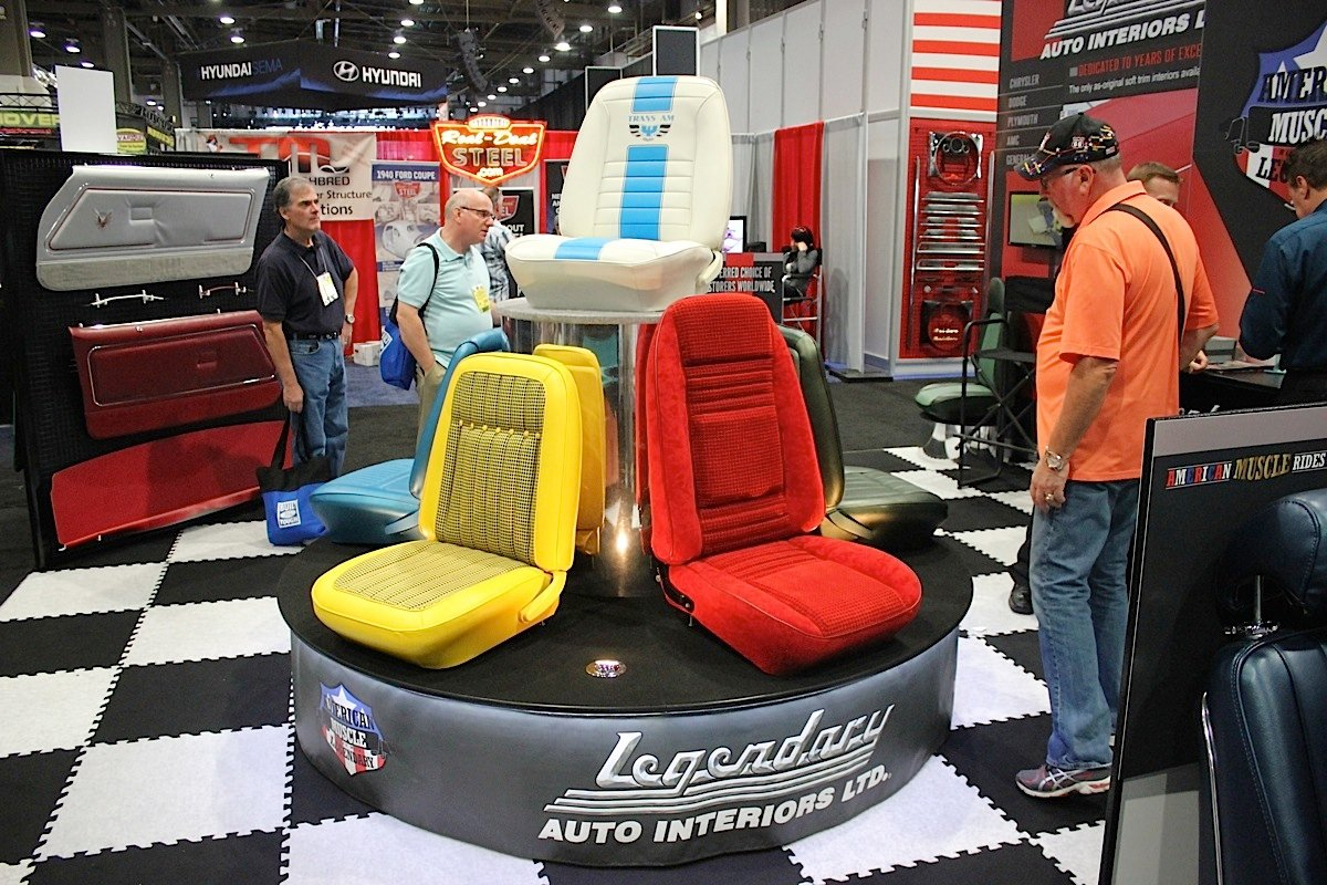 sema 2014 legendary auto interiors lives up to its name street muscle. Black Bedroom Furniture Sets. Home Design Ideas