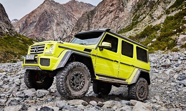 video is the mercedes g class g 500 4x4 the ultimate off. Black Bedroom Furniture Sets. Home Design Ideas