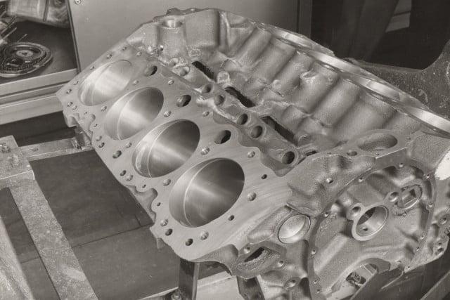 348 engine block053