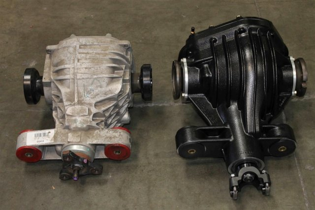 A side by side comparison of the stock Camaro SS diff (left) with the Strange 9-3/4 inch unit. The Strange diff uses stock-style mounts, making it compatible with OEM bushings and solid aftermarket replacements, as well as the supplied polyurethane inserts.