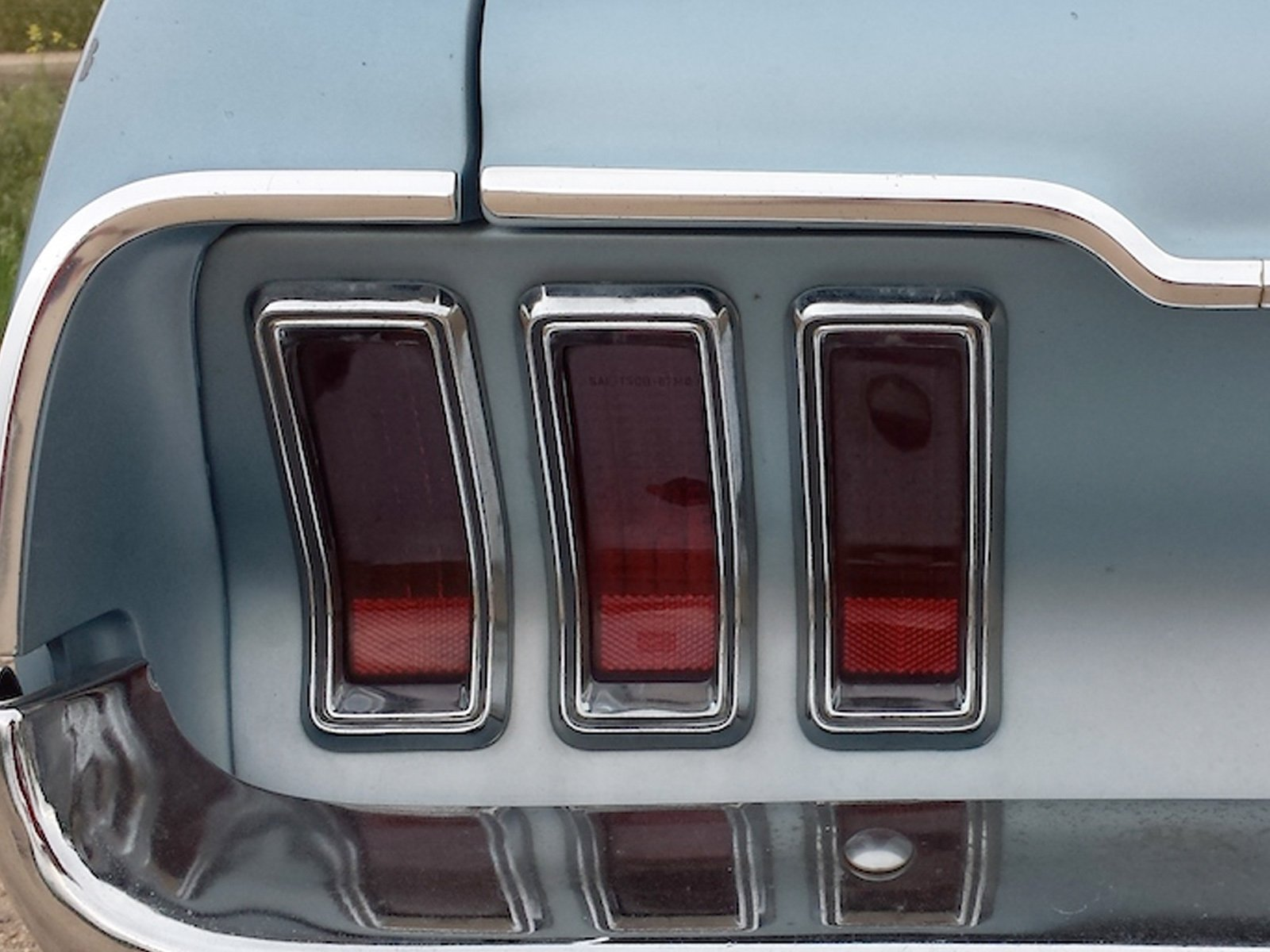 At A Glance How To Spot Differences In 645 68 Mustang 66 Engine Wiring The 1967 Tail Lamp Chrome Left Does Not Have Black Stripe That 1968 Trim Has Right