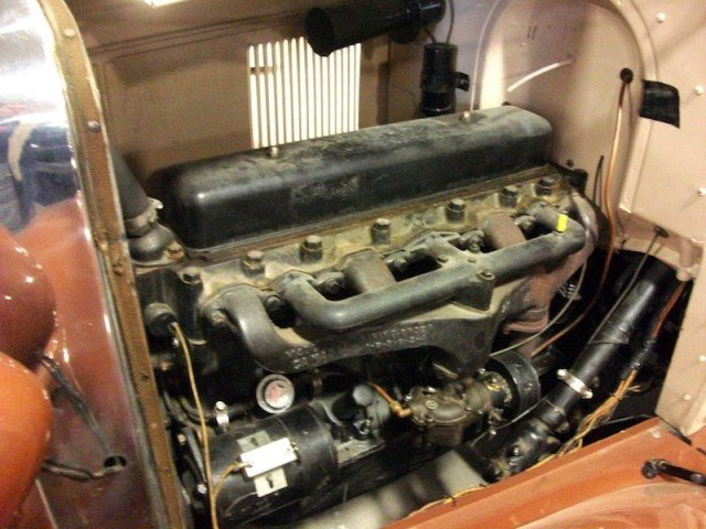 1929_Chevrolet_engine_(6221992954)