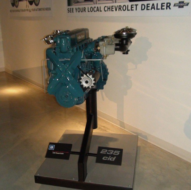 GM_Heritage_Center_-_091_-_Chevrolet_Engines_-_235