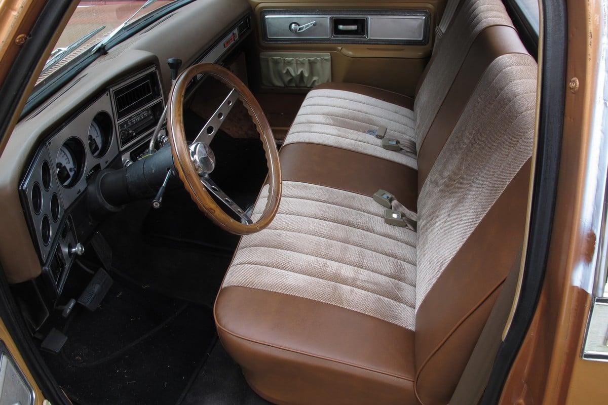 e36 seat cushion removal