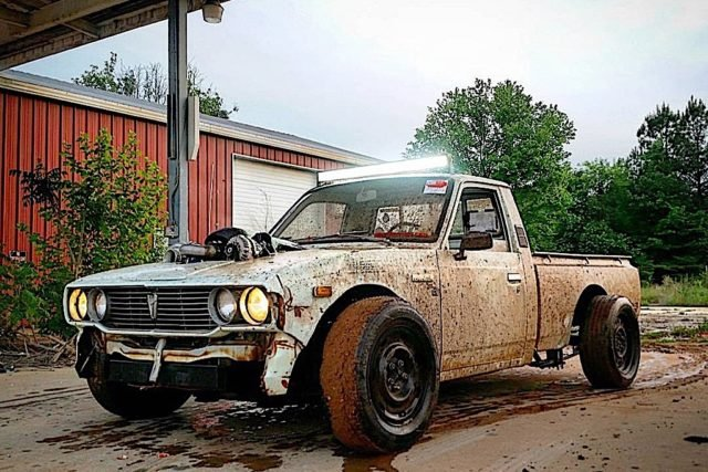 LS-swapped 1977 Toyota Hilux