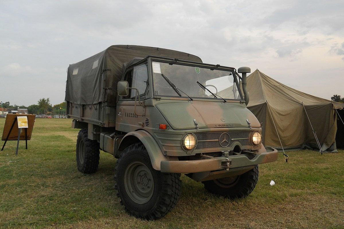 monthly military mercedes benz unimog. Black Bedroom Furniture Sets. Home Design Ideas