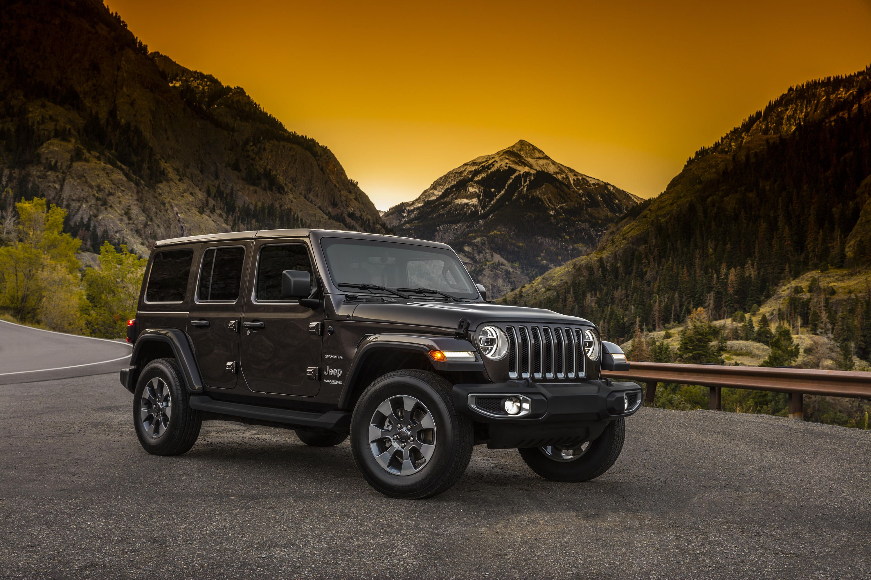 sema 2017 jeep shows off new wrangler and mopar accessories. Black Bedroom Furniture Sets. Home Design Ideas