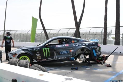 2018-mustangs-make-powerful-debut-at-formula-drift-long-beach-2018-04-19_21-32-53_231639