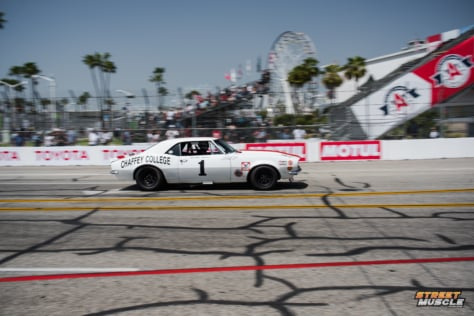 blast-from-the-past-muscle-cars-invade-streets-of-long-beach-2018-04-20_19-12-56_560769