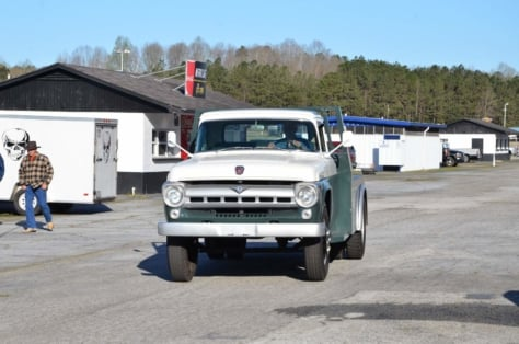cool-fords-roam-the-swap-meet-at-atlanta-dragway-2018-04-16_01-28-35_384187