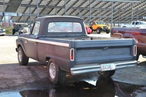 cool-fords-roam-the-swap-meet-at-atlanta-dragway-2018-04-16_01-43-23_378717