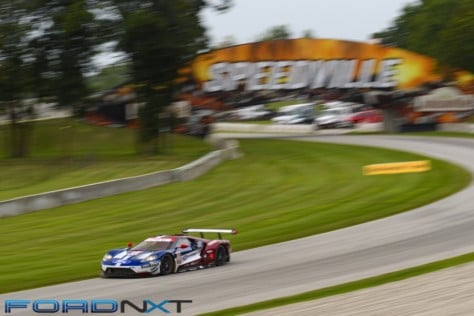 ford-gt-reels-in-its-fourth-imsa-victory-in-a-row-at-road-america-2018-08-06_02-25-01_735383