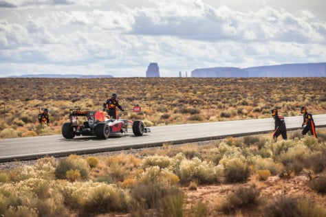 video-watch-this-f1-car-drive-across-america-2018-08-08_17-45-55_024070