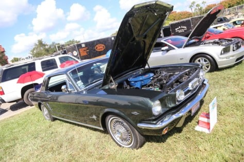 blue-oval-muscle-makes-a-strong-showing-at-the-midflorida-auto-show-2018-10-24_01-50-42_557658