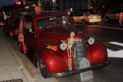 hot-rodders-cruise-into-halloween-in-3rd-annual-spooky-cruz-in-uptown-lexington-2018-10-24_17-47-51_524965