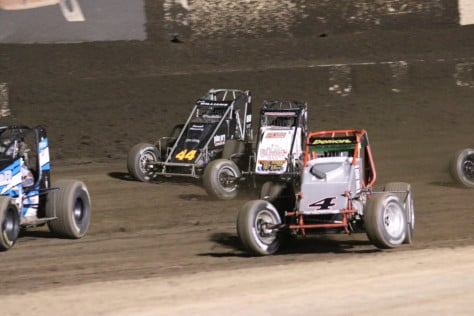 bud-oval-nationals-wrap-up-thomas-wins-tie-goes-to-tyler-courtney-2018-11-14_17-42-26_138560