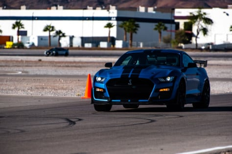 driven-2020-ford-mustang-shelby-gt500-2019-11-18_23-47-00_318658