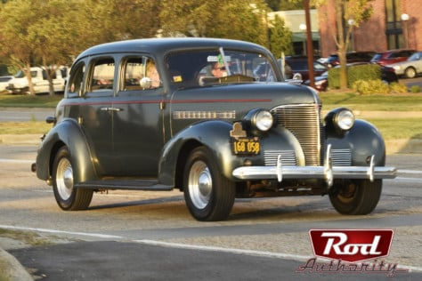 show-stopping-street-rods-at-the-2019-route-66-mother-road-festival-2019-12-26_16-50-44_879798