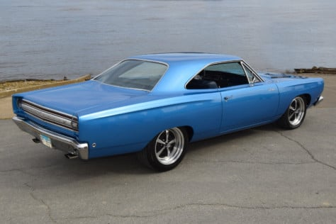 new-and-vintage-blend-a-crafted-68-roadrunner-with-new-hemi-power-2020-03-06_14-43-22_052475