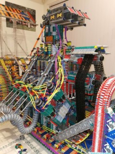 australia-man-builds-life-size-hot-rods-out-of-1000s-of-knex-2021-01-14_15-33-53_255476