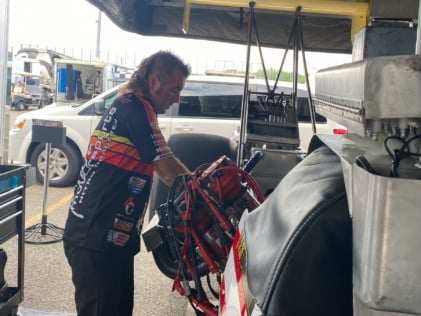 behind-the-scenes-what-it-takes-to-race-an-afuel-dragster-2021-01-22_13-38-05_081929