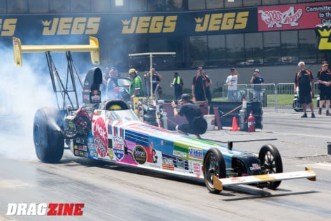 behind-the-scenes-what-it-takes-to-race-an-afuel-dragster-2021-01-22_13-39-36_422526