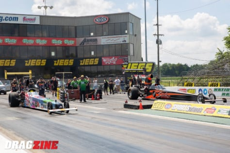 behind-the-scenes-what-it-takes-to-race-an-afuel-dragster-2021-01-22_13-39-43_236762
