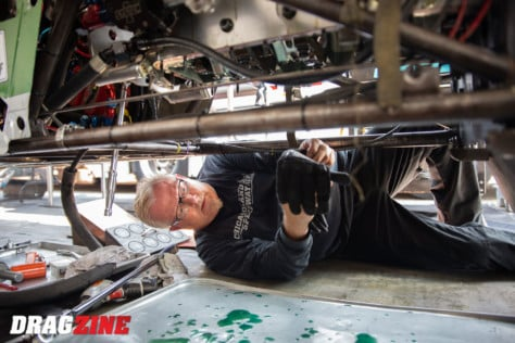 behind-the-scenes-what-it-takes-to-race-an-afuel-dragster-2021-01-22_13-40-03_418568