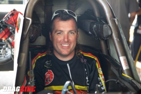 behind-the-scenes-what-it-takes-to-race-an-afuel-dragster-2021-01-22_13-40-50_707437