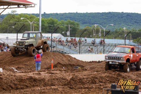 bloomsburg-4-wheel-jamboree-fueled-by-hundreds-of-truck-enthusiast-2021-07-30_13-26-21_119398