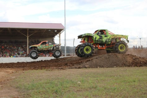 bloomsburg-4-wheel-jamboree-fueled-by-hundreds-of-truck-enthusiast-2021-07-30_13-28-24_239637