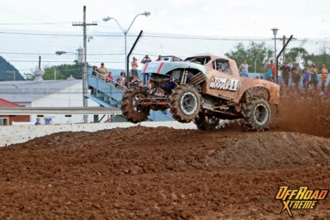 bloomsburg-4-wheel-jamboree-fueled-by-hundreds-of-truck-enthusiast-2021-07-30_13-29-13_048006