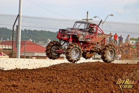 bloomsburg-4-wheel-jamboree-fueled-by-hundreds-of-truck-enthusiast-2021-07-30_13-29-41_605284