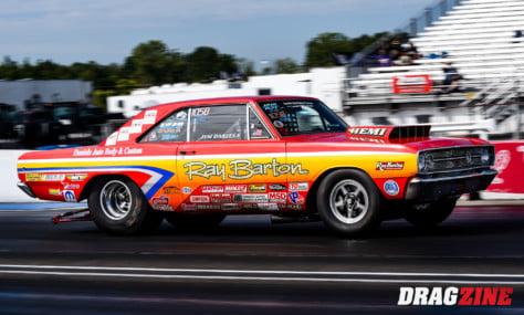 comella-drives-68-cuda-to-victory-at-dodge-hemi-challenge-2021-09-04_17-30-15_432244