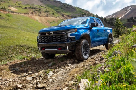 zr2-flagship-revealed-in-all-new-2022-chevrolet-silverado-lineup-2021-09-09_13-04-19_423450