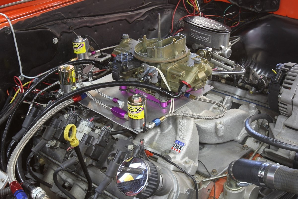 Carb vs  EFI: A Look at LS Engine Induction Options